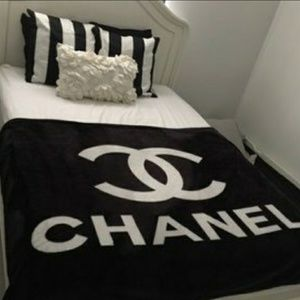 New chanel blanket
